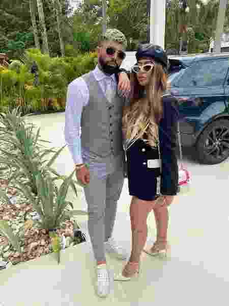 Gabigol posta foto ao lado da namorada Rafaella nas redes sociais - Reprodução/Twitter