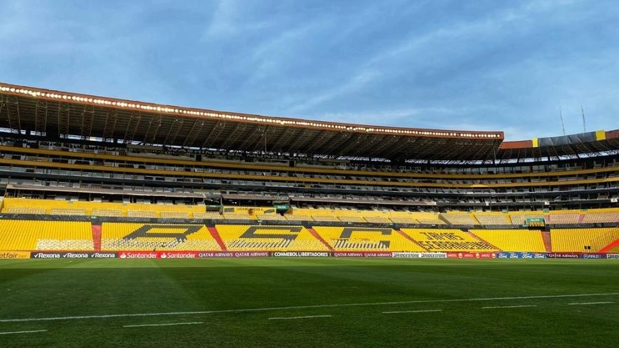 Localizado em uma zona portuária do Equador, estádio Monumental é palco de jogos do Barcelona de Guayaquil - Divulgação/CRF