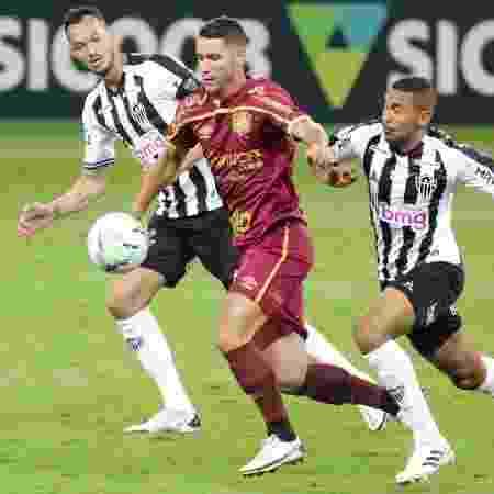 Thiago Neves, meia do Sport - Fernando Moreno/AGIF