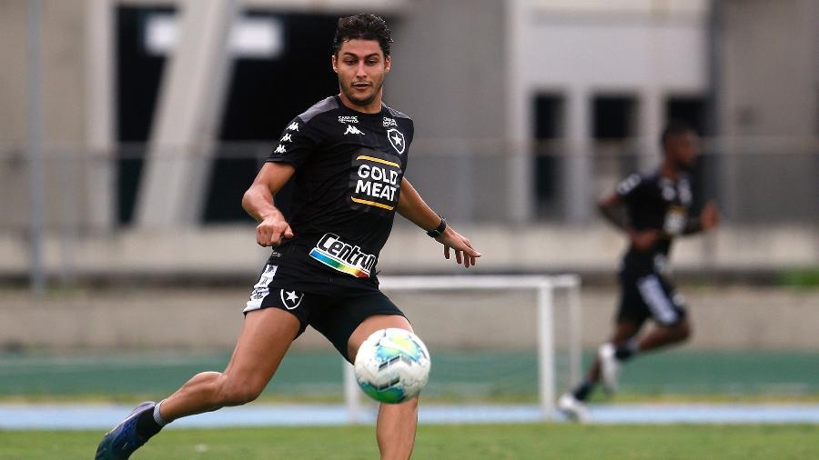 Marcinho, ex-jogador do Botafogo, foi anunciado pelo Athletico - Vitor Silva/Botafogo