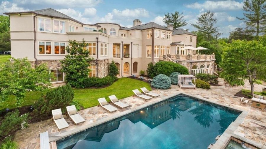 """Piscina da mansão de Mike Tyson que está a venda nos Estados Unidos - Reprodução/Sotheby""""s International Realty"""