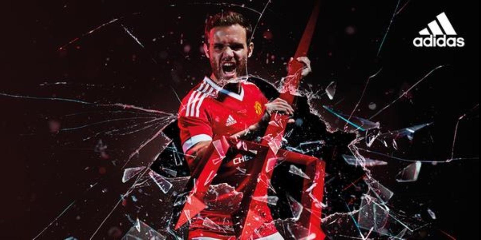 Manchester United e adidas divulgaram neste sábado imagens dos novos uniformes do clube para a temporada 2015/2016
