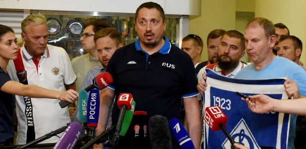 Torcedor Alexander Shprygin durante entrevista na Rússia; detenção na França - Vasily Maximov/AFP