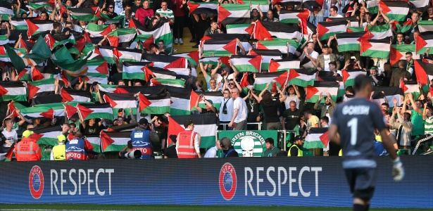 Torcedores do Celtic provocam israelenses durante partida da Champions