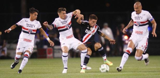 Tomas Andrade em ação pelo River Plate em jogo com o São Paulo, pela Florida Cup de 2017
