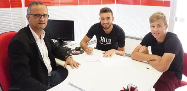 Léo Ortiz (c) admite utilizar simuladores de futebol para ganhar conhecimento