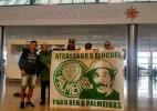 Palmeirenses deixam Montevidéu verde e branca antes de jogo com o Peñarol