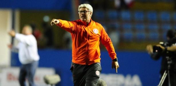 Odair Hellmann, técnico do Inter, viu frustração com empate, mas valorizou vaga