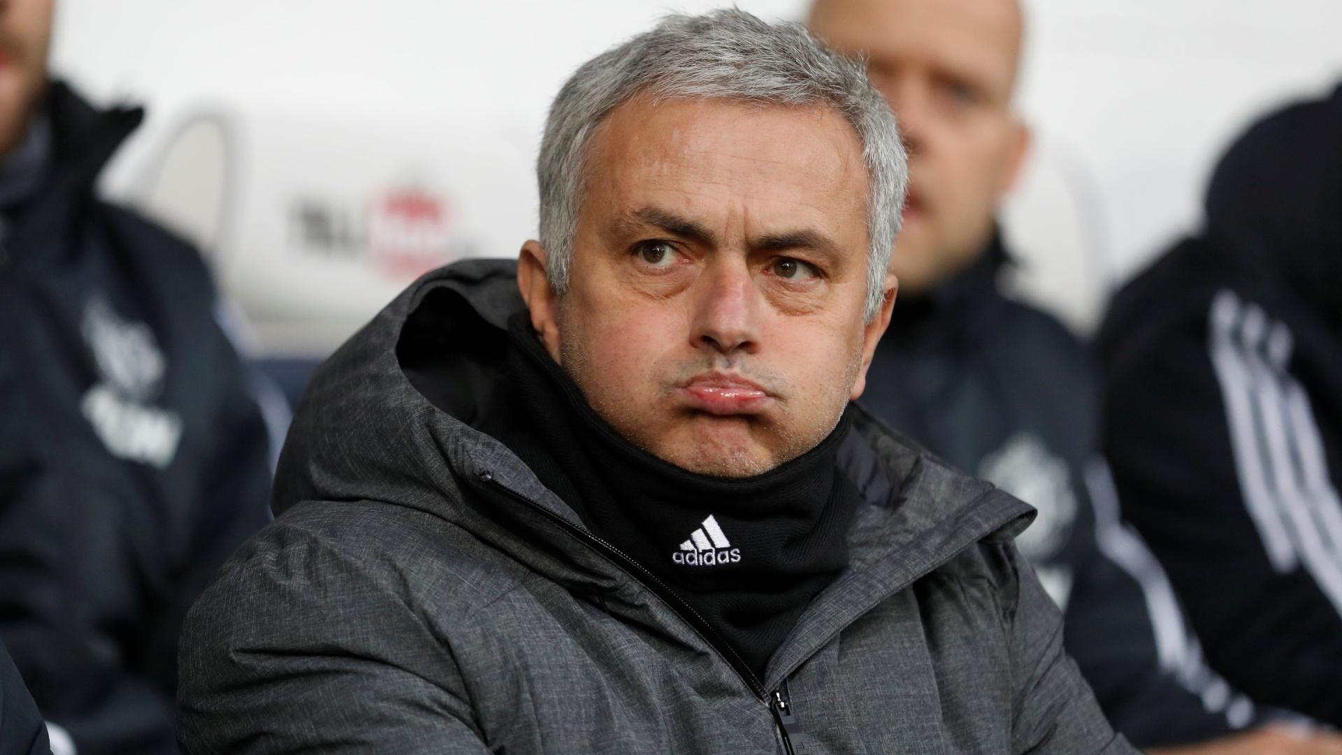 José Mourinho na partida entre West Bromwich e Manchester United