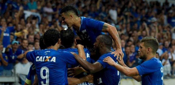 Cruzeiro precisa de boas campanhas para manter as contas em dia