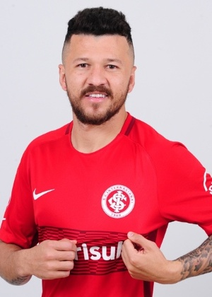 Jogador chega por empréstimo junto ao Shenzen FC até dezembro