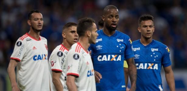Cruzeiro saiu derrotado por 1 a 0 no Mineirão, mas garantiu a vaga nas quartas da Libertadores - Pedro Vale/AGIF