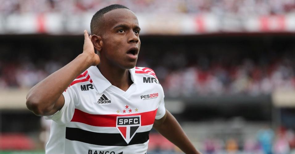 Helinho comemora gol do São Paulo contra o Flamengo