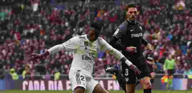 Vinicius Jr em ação pelo Real Madrid contra o Sevilla - REUTERS/Susana Vera