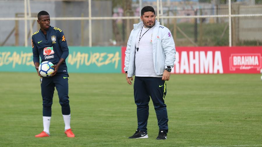 Eduardo Barroca é um dos nomes analisados pelo Botafogo para substituir Zé Ricardo - Lucas Figueiredo/CBF