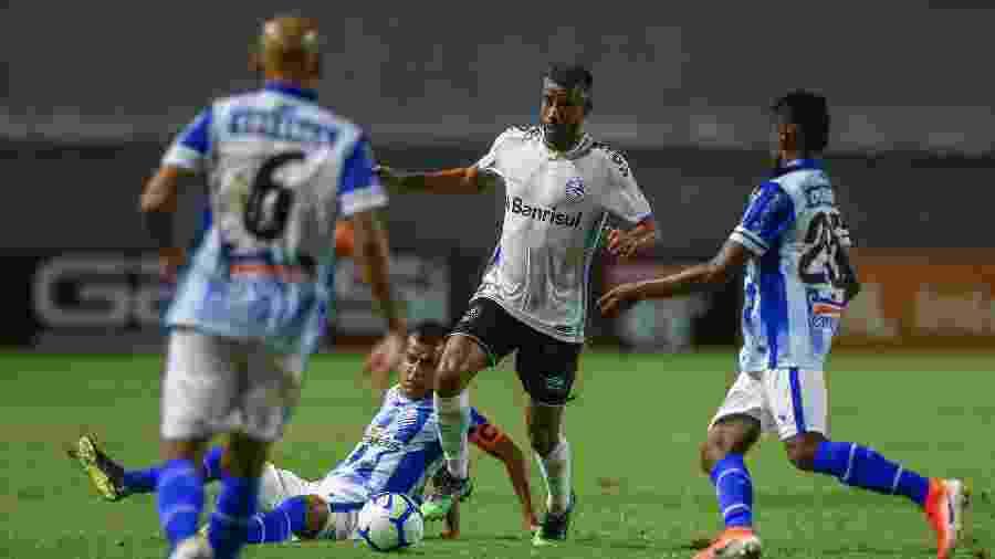 Léo Moura, durante partida entre Grêmio e CSA - LUCAS UEBEL/GREMIO FBPA