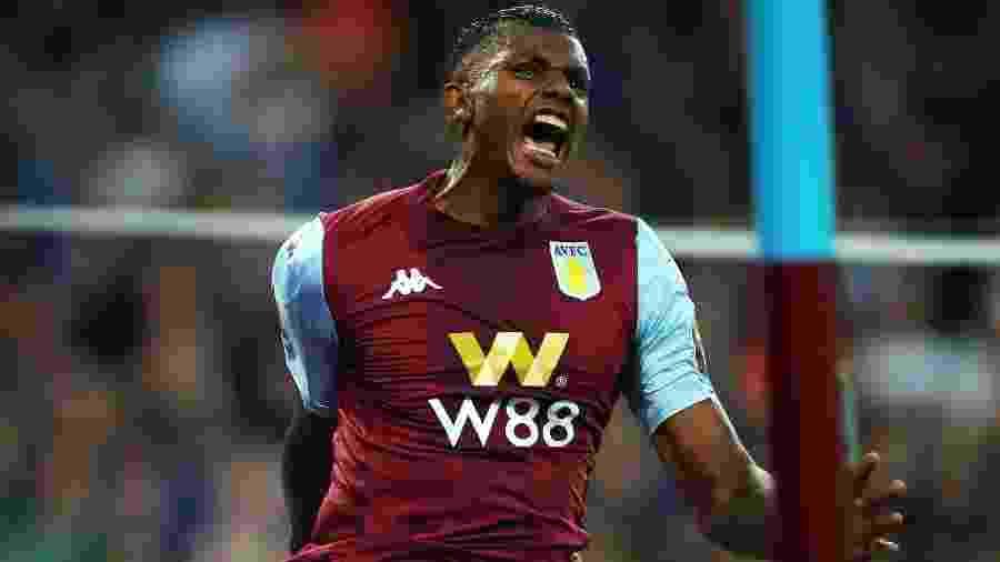 Wesley comemora gol feito pelo Aston Villa na Premier League - Eddie Keogh/Reuters