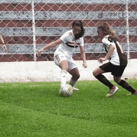Giovana, do sub-17 feminino do São Paulo, dribla santista na final do Paulista - Reprodução/Instagram