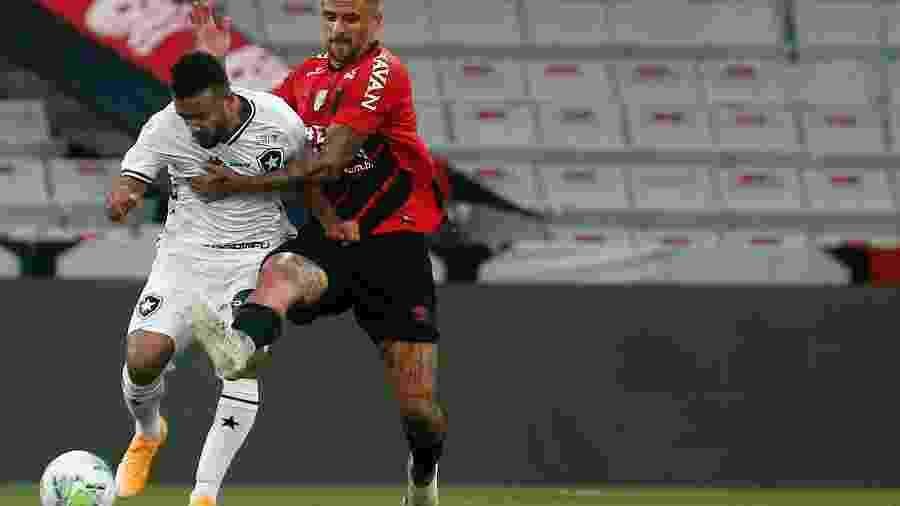 Athletico, de Lucho González, volta a campo amanhã para clássico contra o Coxa - Vítor Silva/Botafogo