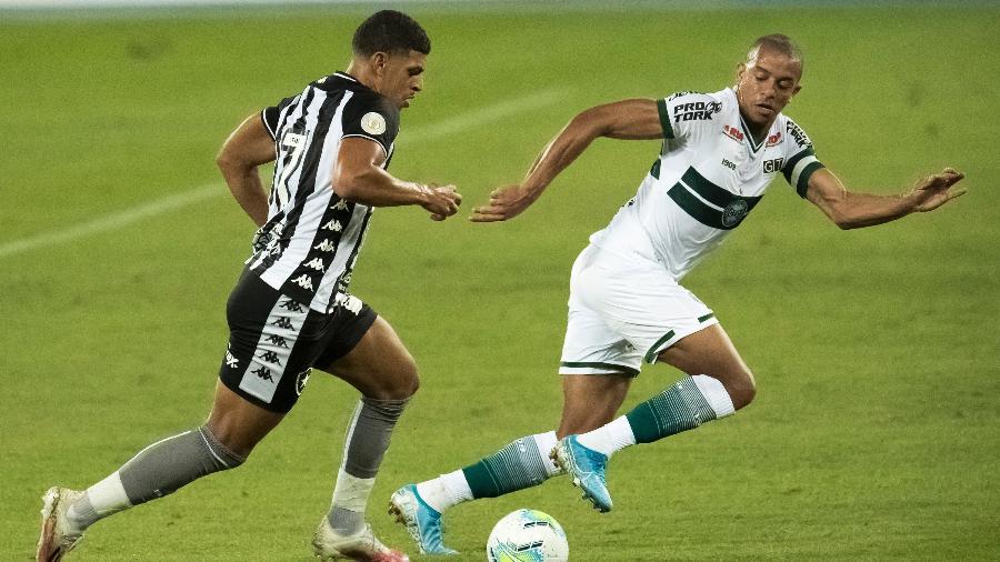 William Matheus em ação pelo Coritiba - Jorge Rodrigues/AGIF