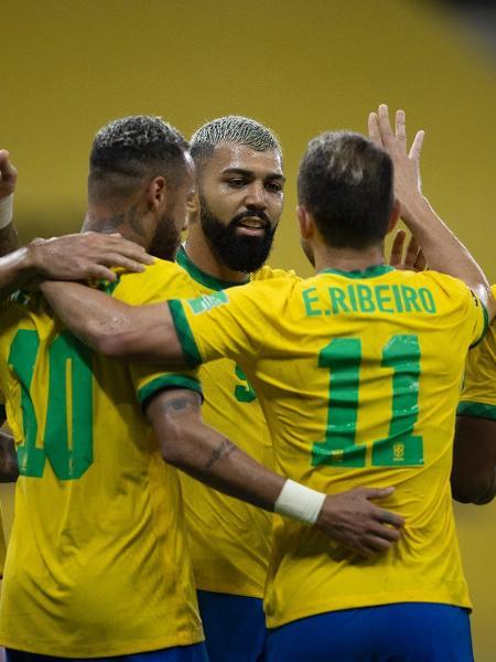 Jogadores da seleção brasileira comemoram gol contra o Peru, pelas Eliminatórias - Lucas Figueiredo/CBF