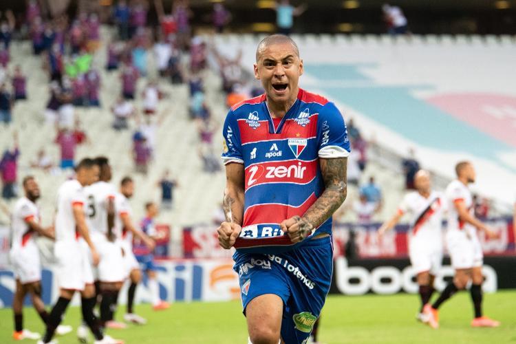 Wellington Paulista comemora gol do Fortaleza que foi anulado pelo VAR - Kely Pereira/AGIF - Kely Pereira/AGIF