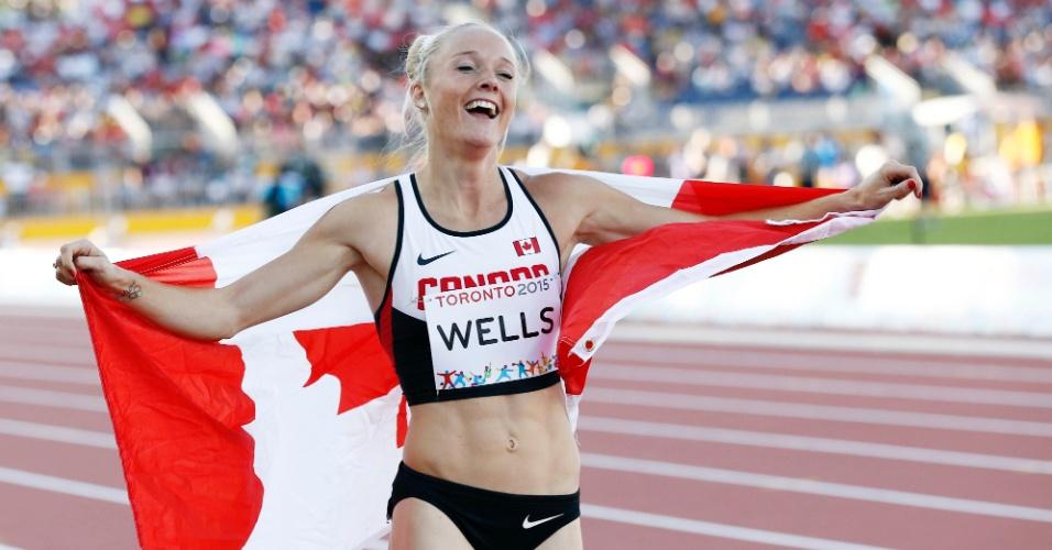A canadense Sarah Wells comemora a prata nos 400m com obstáculos