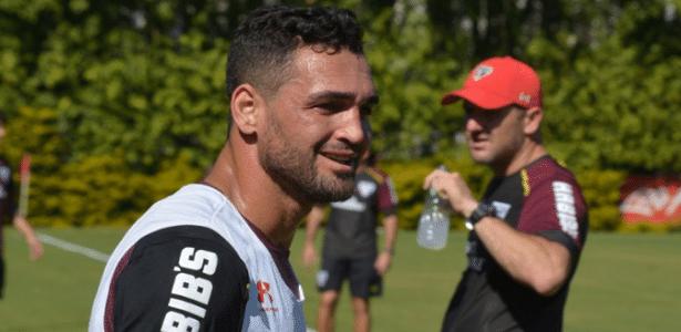 Atacante Gilberto faz seu primeiro treino no São Paulo