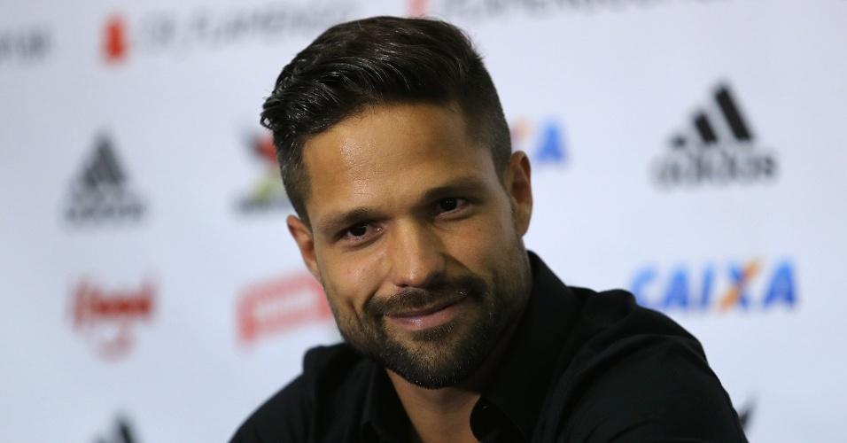 Diego durante apresentação oficial no Flamengo