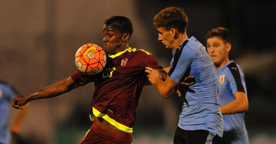 Uruguaio Santiago Bueno, de 18 anos, é a promessa que interessa ao Barcelona