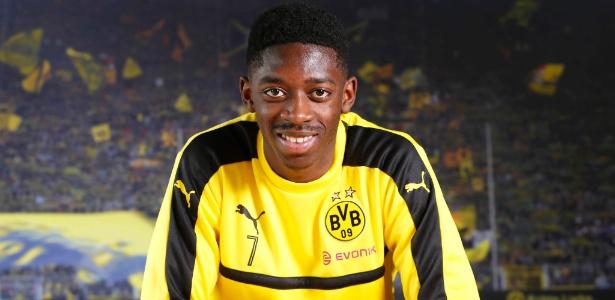 Aos 19 anos, ponta do Borussia Dortmund ganha terreno no futebol europeu - Norbert Schmidt/AFP Photo
