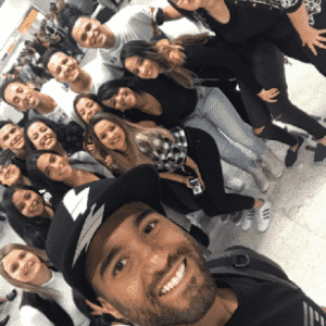 Lucas Moura, do PSG, teve uma recepção de gala da família ao voltar ao Brasil para as férias - Reprodução/Instagram