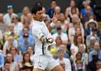 Com teto fechado, Djokovic bate Rafael Nadal e volta à final de Wimbledon - Toby Melville/Reuters