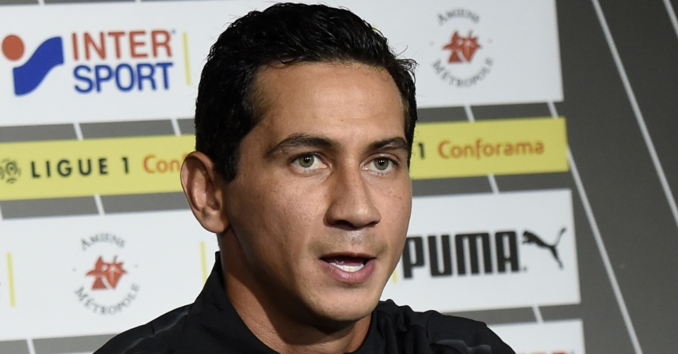 O meia brasileiro Paulo Henrique Ganso é apresentado como reforço do Amiens, da França