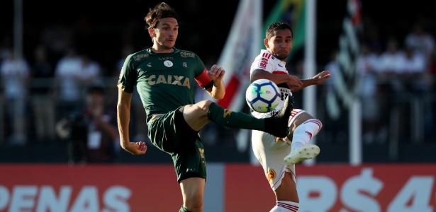 Zagueiro acerta contrato de um ano com o clube das Laranjeiras - REUTERS/Paulo Whitaker