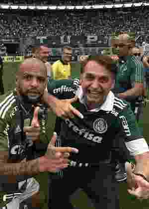Felipe Melo posa para foto com Jair Bolsonaro em festa do Palmeiras - reprodução/Instagram