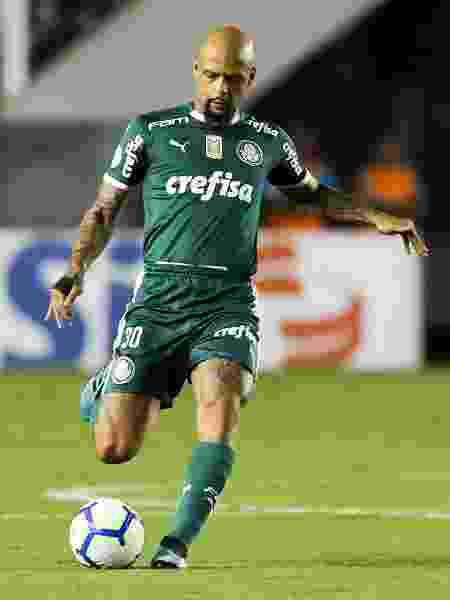 Felipe Melo, do Palmeiras, durante jogo contra o Santos - Alexandre Schneider/Getty Images
