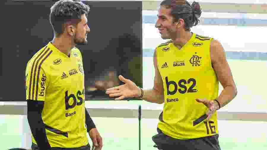 Arrascaeta e Filipe Luís durante recuperação de lesões no Ninho do Urubu, CT do Flamengo: acertos no mercado - Marcelo Cortes/Flamengo
