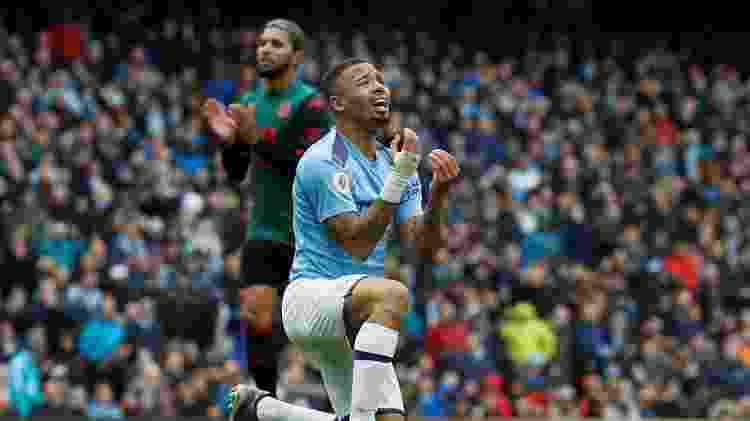 Gabriel Jesus lamenta após desperdiçar oportunidade para o City - Phil Noble/Reuters - Phil Noble/Reuters