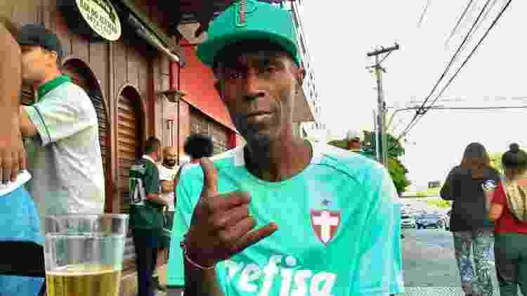 Fábio, morador de rua que conheceu o Allianz Parque em jogo contra o Ceará - Bruno Grossi/UOL Esporte - Bruno Grossi/UOL Esporte
