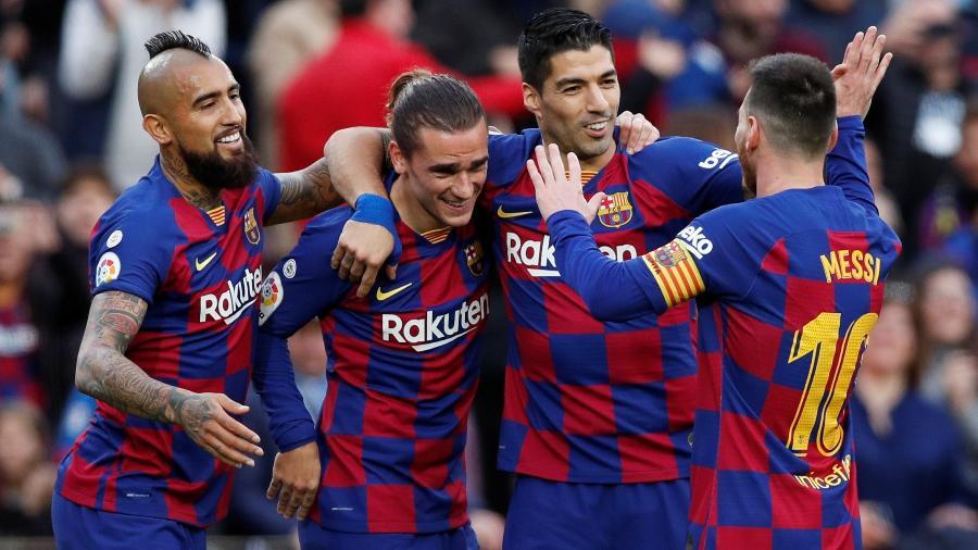Griezmann, Vidal, Messi e Suárez fizeram os gols do Barça no 4 a 1 sobre o Alavés - Albert Gea/Reuters