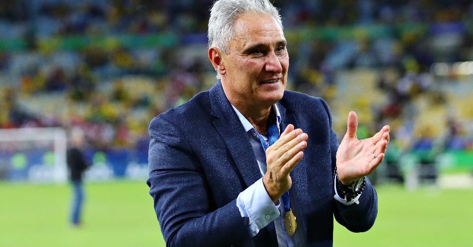 Técnico Tite comemora conquista da Copa América de 2019 pela seleção brasileira