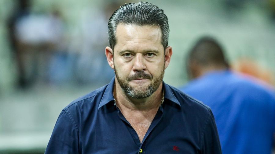 Argel Fucks durante jogo contra o Corinthians em 2019, quando treinava o Ceará - Pedro Chaves/AGIF
