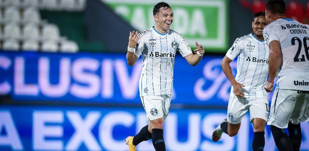 Grêmio confirma conversas por Pepê, mas assegura jogador para final