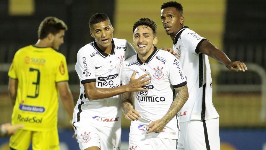 Gustavo Mosquito comemora gol do Corinthians contra o Mirassol, em Volta Redonda, pelo Campeonato Paulista - Rodrigo Coca / Agência Corinthians