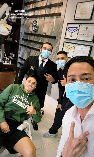 Veiga foi ao dentista após acidente na Libertadores
