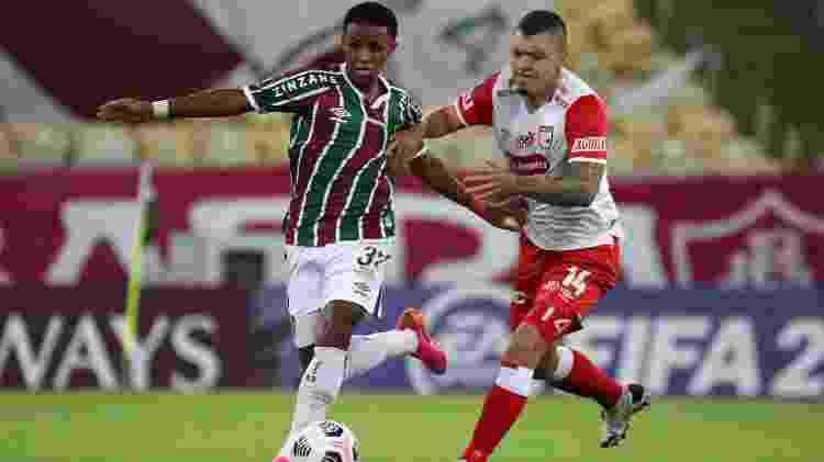 Kayky em ação pelo Fluminense diante de Pico, do Santa Fe, na Libertadores - Sergio Moraes-Pool/Getty Images - Sergio Moraes-Pool/Getty Images