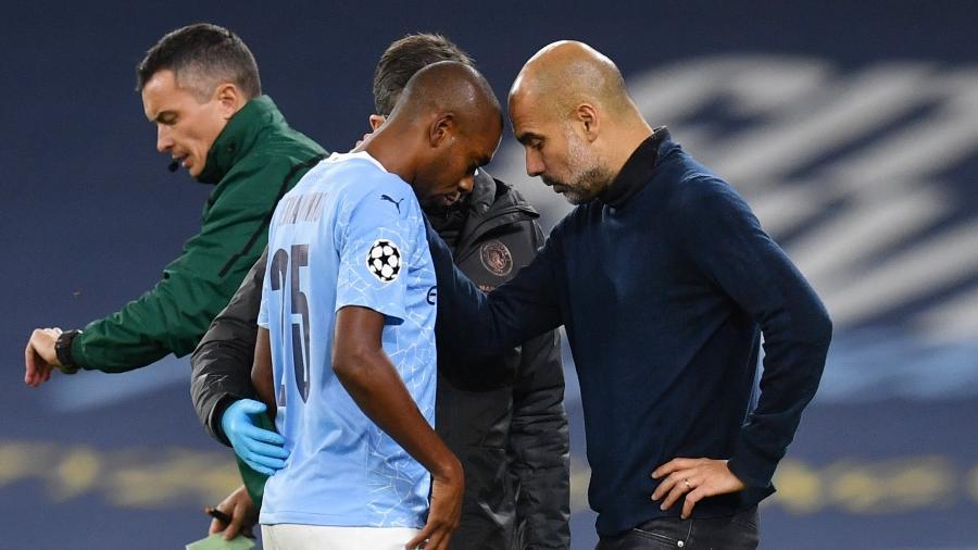 Fernandinho e Pep Guardiola, técnico do Manchester City, vão disputar a final da Liga dos Campeões - REUTERS/Paul Ellis