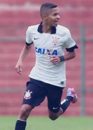 Vitinho, 16 anos, está no Corinthians desde criança