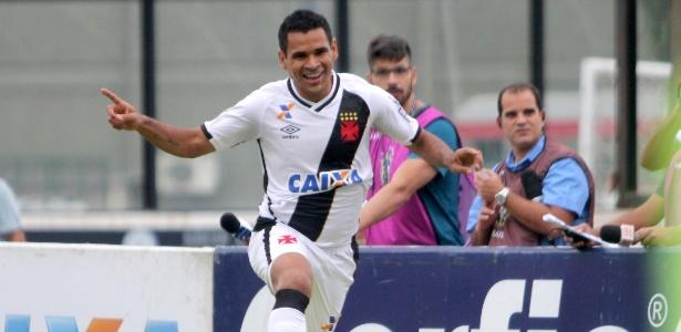 Éderson marcou duas vezes para o Vasco e decretou vitória sobre o Atlético-GO